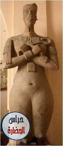 تمثال إخناتون