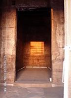 """تعامد الشمس على ماميزي معبد """"دندرة"""" 4-2-2015م"""