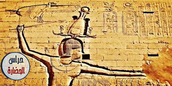 منظر للملك بطليموس الثانى عشر فى معبد حورس بإدفو