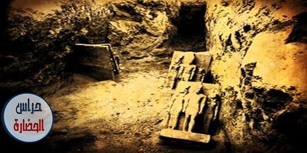 لحظة إكتشاف التماثيل الثلاثية للملك منكاورع المصنوعة من الشست